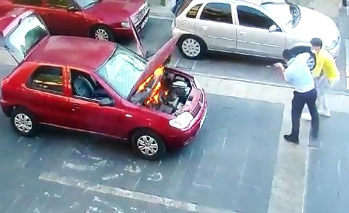 Seyir halindeki otomobilde çıkan yangını zabıta söndürdü